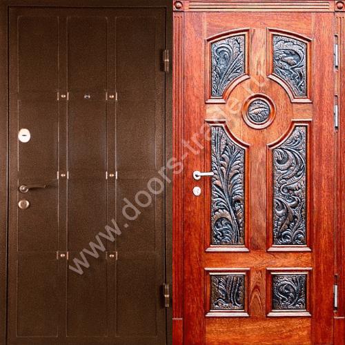 хорошая входная двустворчатая дверь